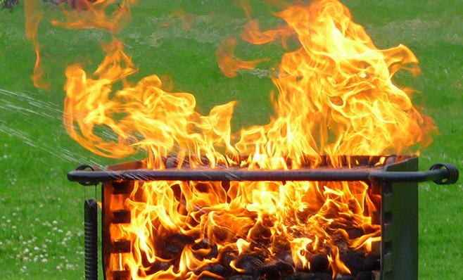 Weber Elektrogrill Fettbrand : Fettbrand beim gasgrill vermeiden mit diesen tipps
