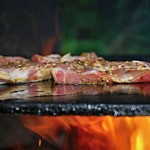 Auf Bio Steinplatte grillen: Gesund garen – Direkt auf dem Tisch!