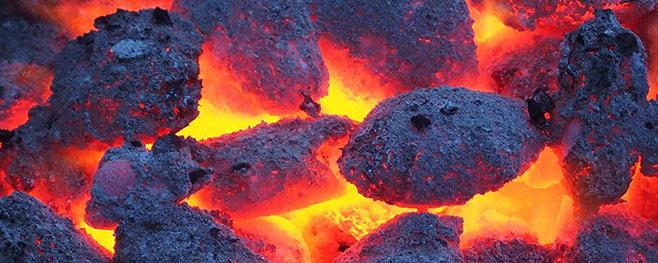 dirty-grilling-auf-holzkolhe