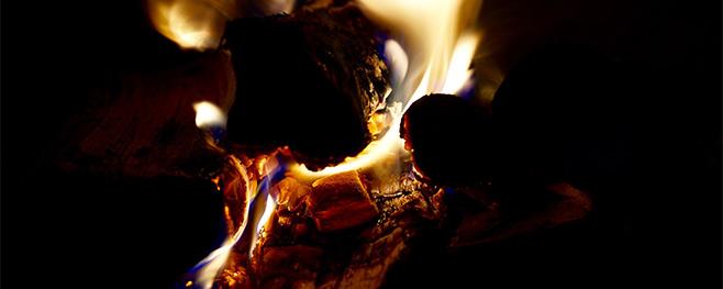 lodernde-Flammen