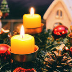 Kamin weihnachtlich schmücken: Die besten Deko-Ideen zum Fest