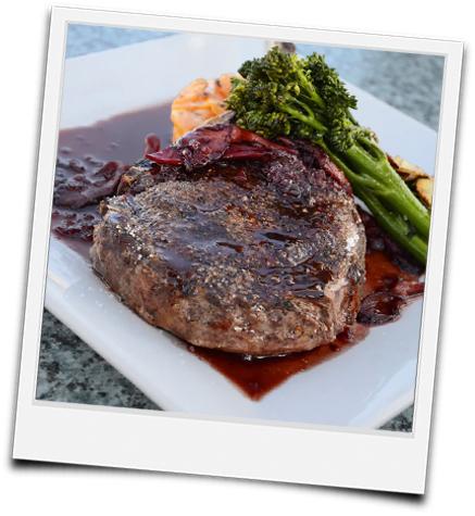 Polaroid mariniertes Steak servierfertig