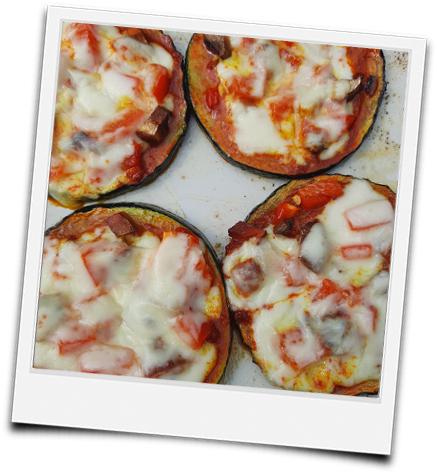 gegrillte Zucchini-Happen bzw. Pizza