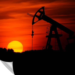 Ölfeld bei Sonnenuntergang