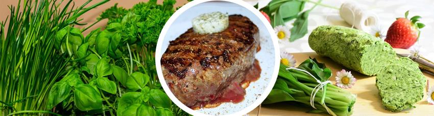 Collage der Kräuterbutterzutaten und einem angerichteten Steak mit Kräuterbutter
