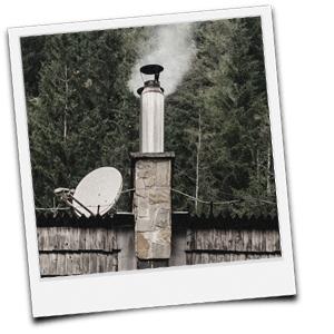Edelstahlschornstein im alten Kaminschacht