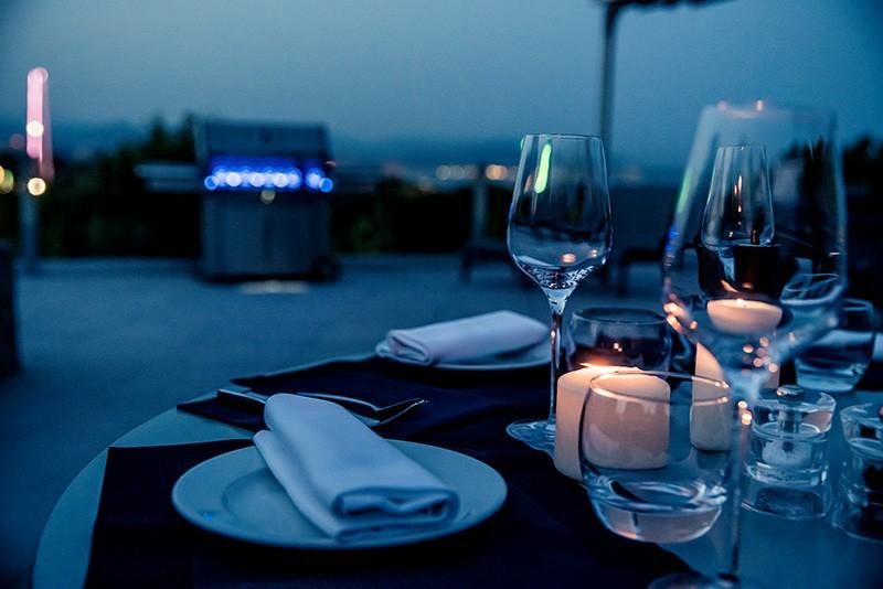 abendliches Dinner auf der Terrasse