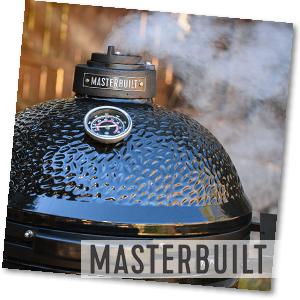 Rauch aus dem Keramikgrill von Masterbuilt